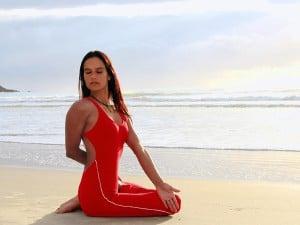 Angela-asana-praia-3-2