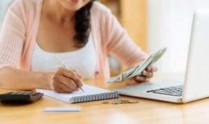 Comece a rever a importância e prioridade de cada gasto realizado.