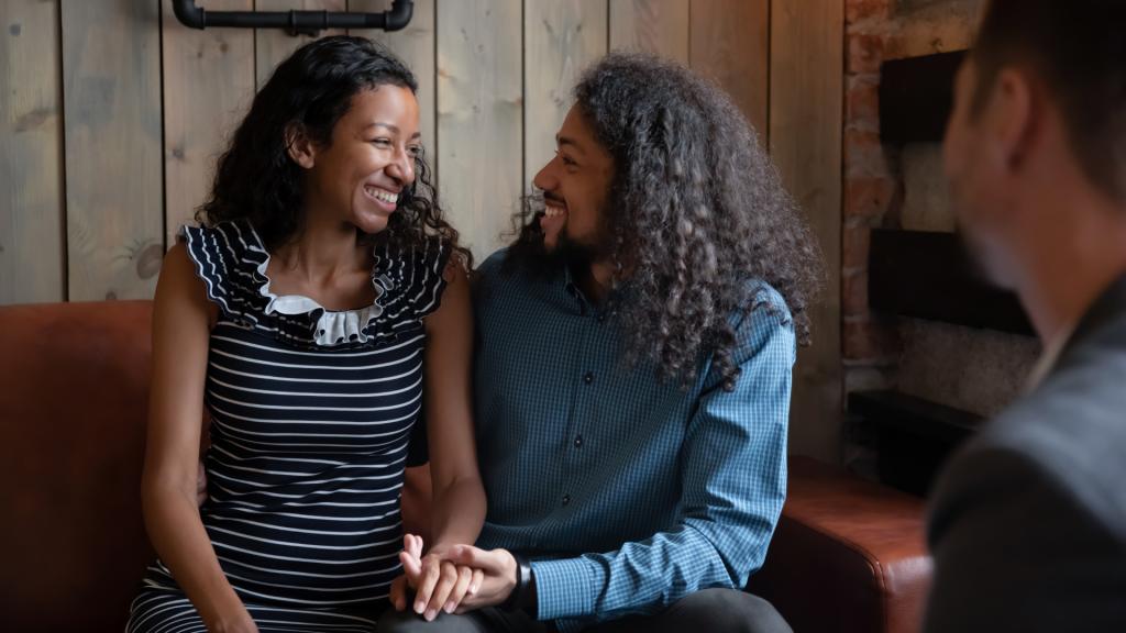 Reconciliação de casal na terapia