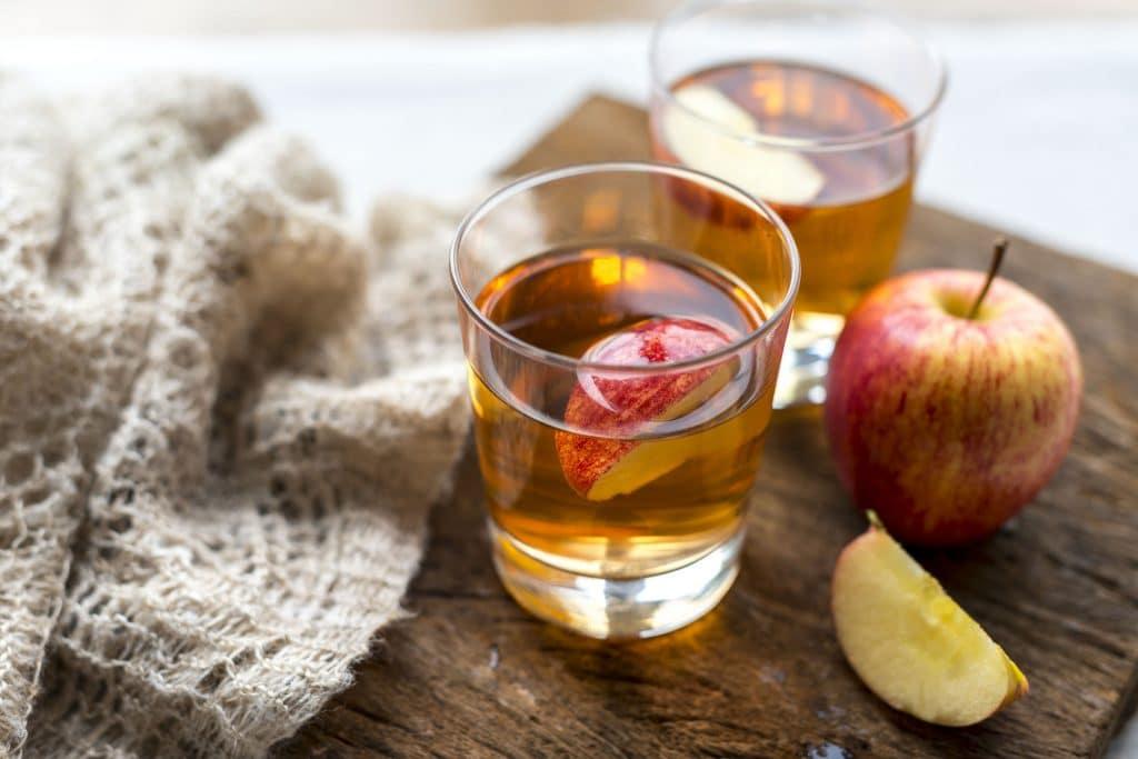 Suco de maçã.