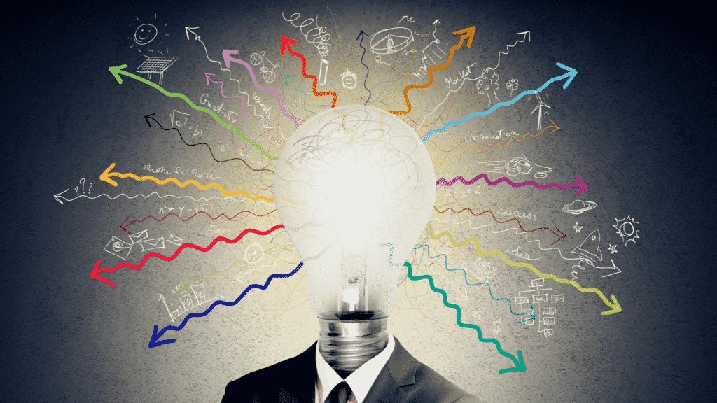 Homem com uma lâmpada ao invés da cabeça ilustrando as inteligências múltiplas