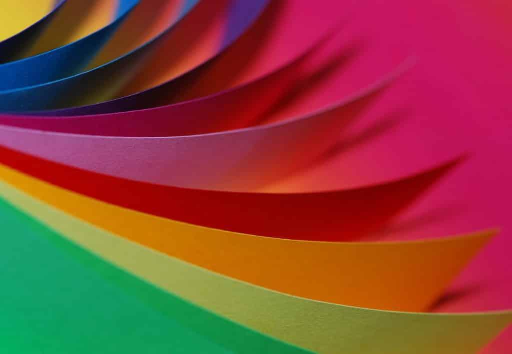 Folhas de papéis coloridas