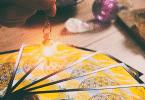 Cartas de taror e radiestesia