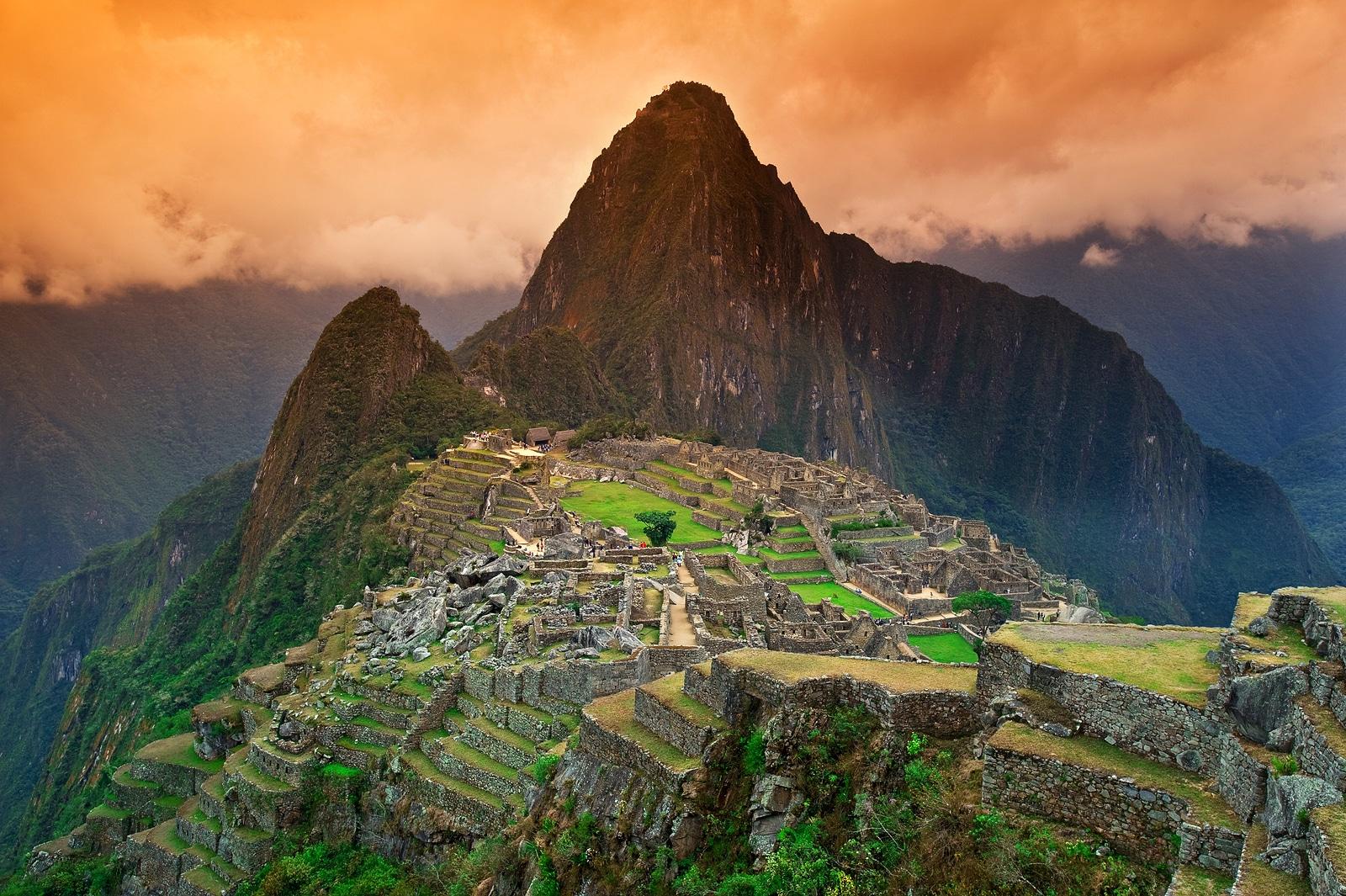 Vista da cidade inca perdida de Machu Picchu, perto de Cusco, no Peru.