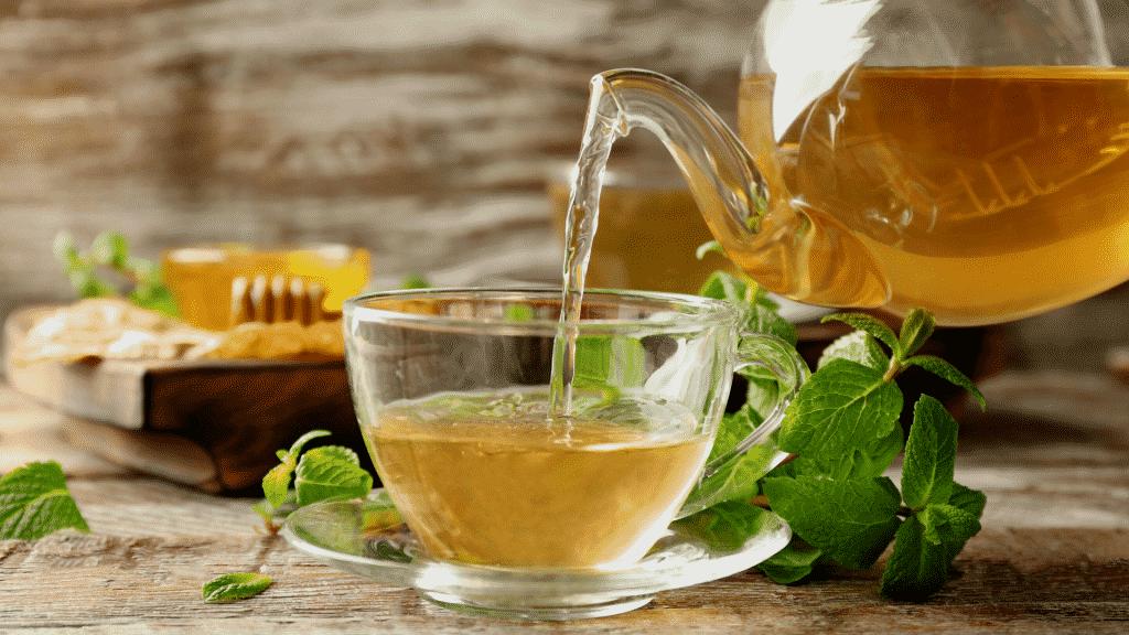 Chá de erva-cidreira