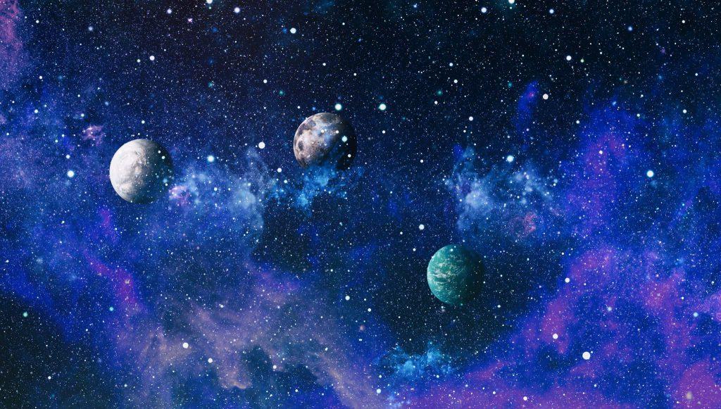 Planetas no espaço.