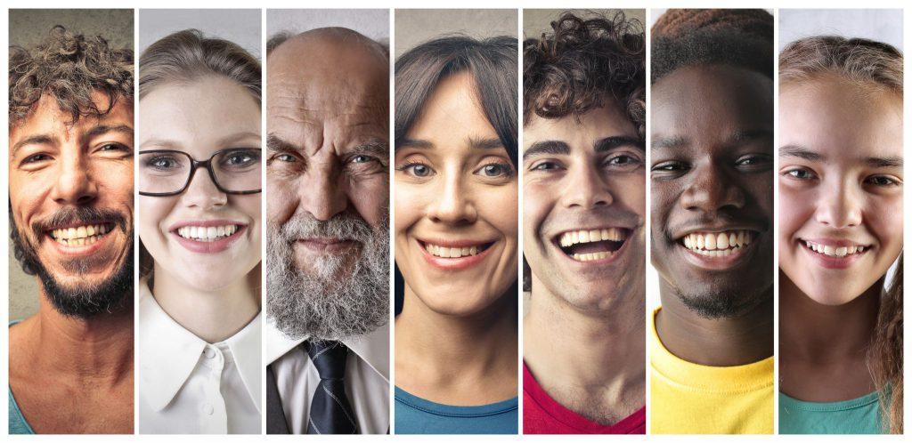 Sete fotos diferentes, uma ao lado da outra, de pessoas sorrindo.