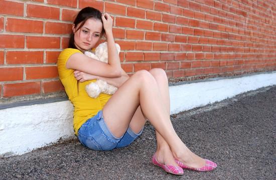 Menina triste.