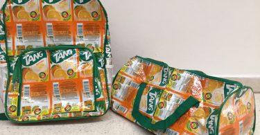 Bolsa e mochila feitas de embalagem de suco tang