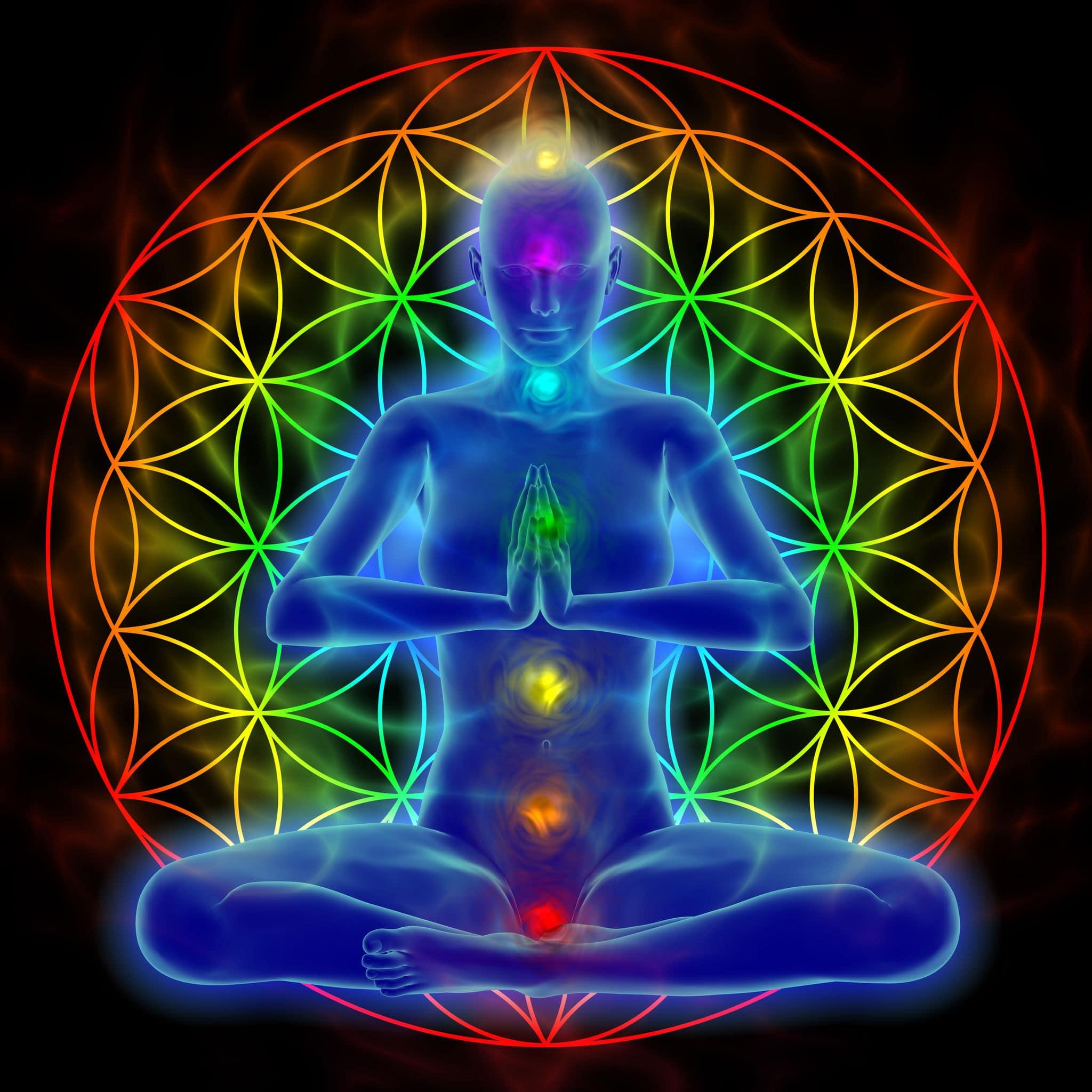 Ilustração de uma mulher meditando. Símbolos dos chakras representados pelo corpo. Sentada na posição lótus.