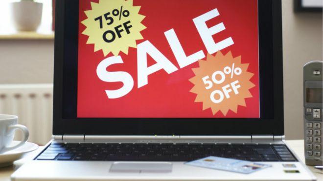 imagem da tela de um notebook com um anuncio grande de promoção.