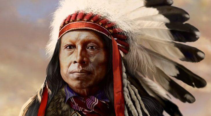 Índio olhando para frente.