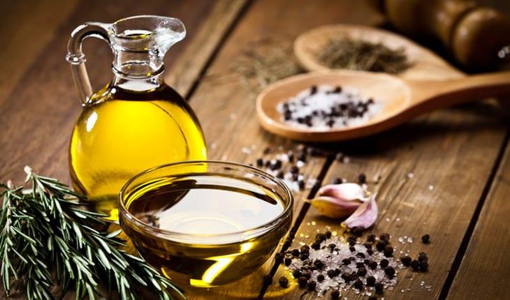 Manteiga de azeite e ervas