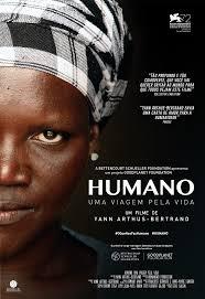 """Capa do filme """"Humano"""". Mulher negra com face aparecendo pela metade. Usa um pano no cabelo."""