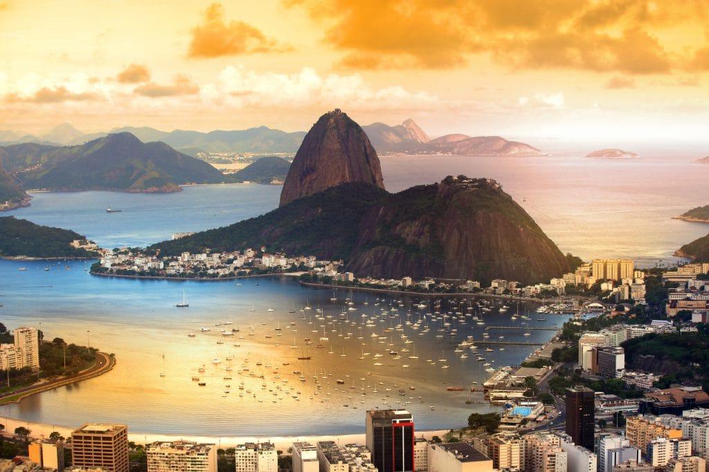 Foto panorâmica da cidade do Rio de Janeiro, Brasil.