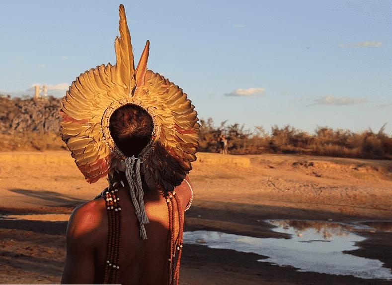 Índio pataxó na romaria da Terra e das Águas