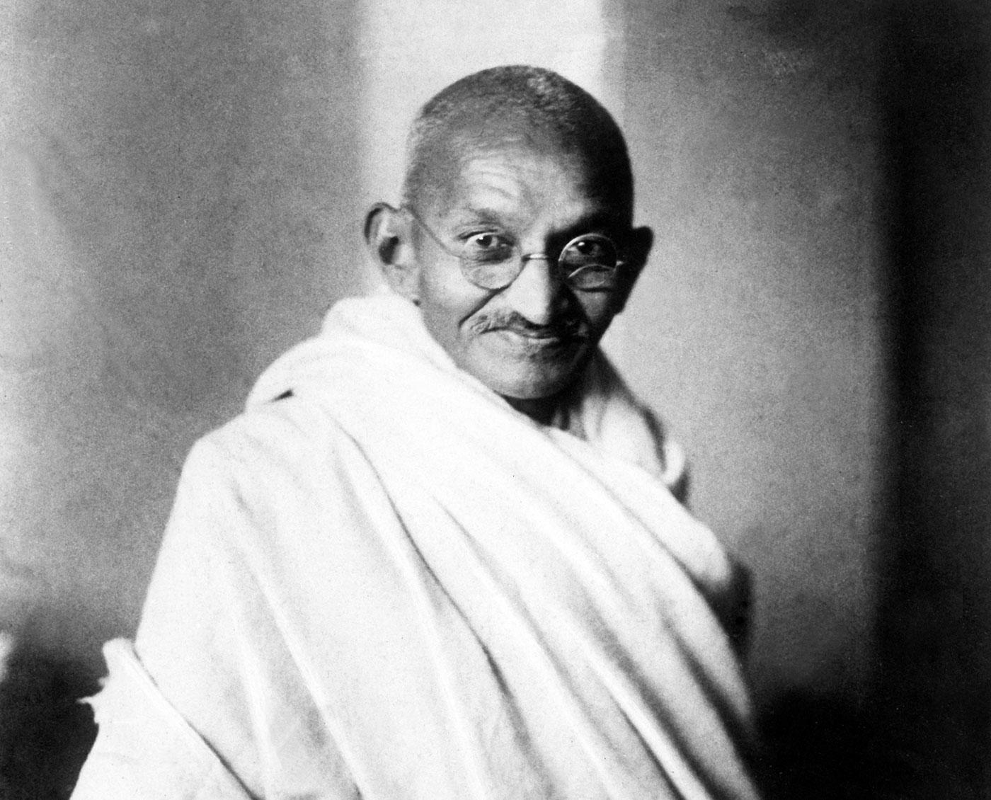 Fotografia em preto e branco de Ghandi