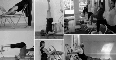 Mulheres praticando hatha yoga com efeito preto e branco.
