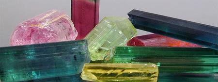 cristais lapidados de turmalina