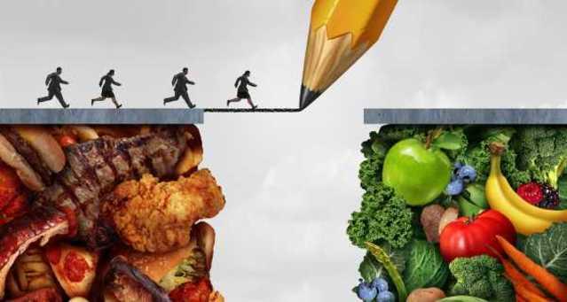 Pessoas passando de carne para vegetais