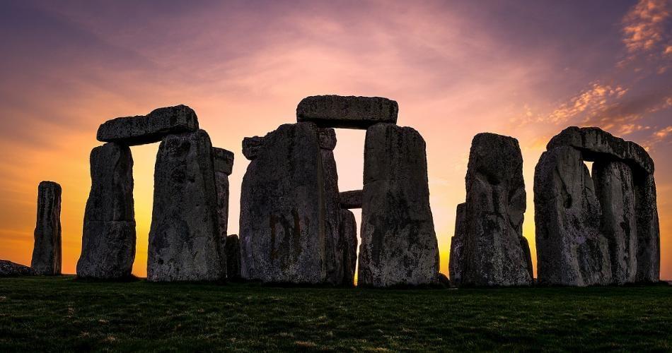 Stonehenge no pôr-do-sol