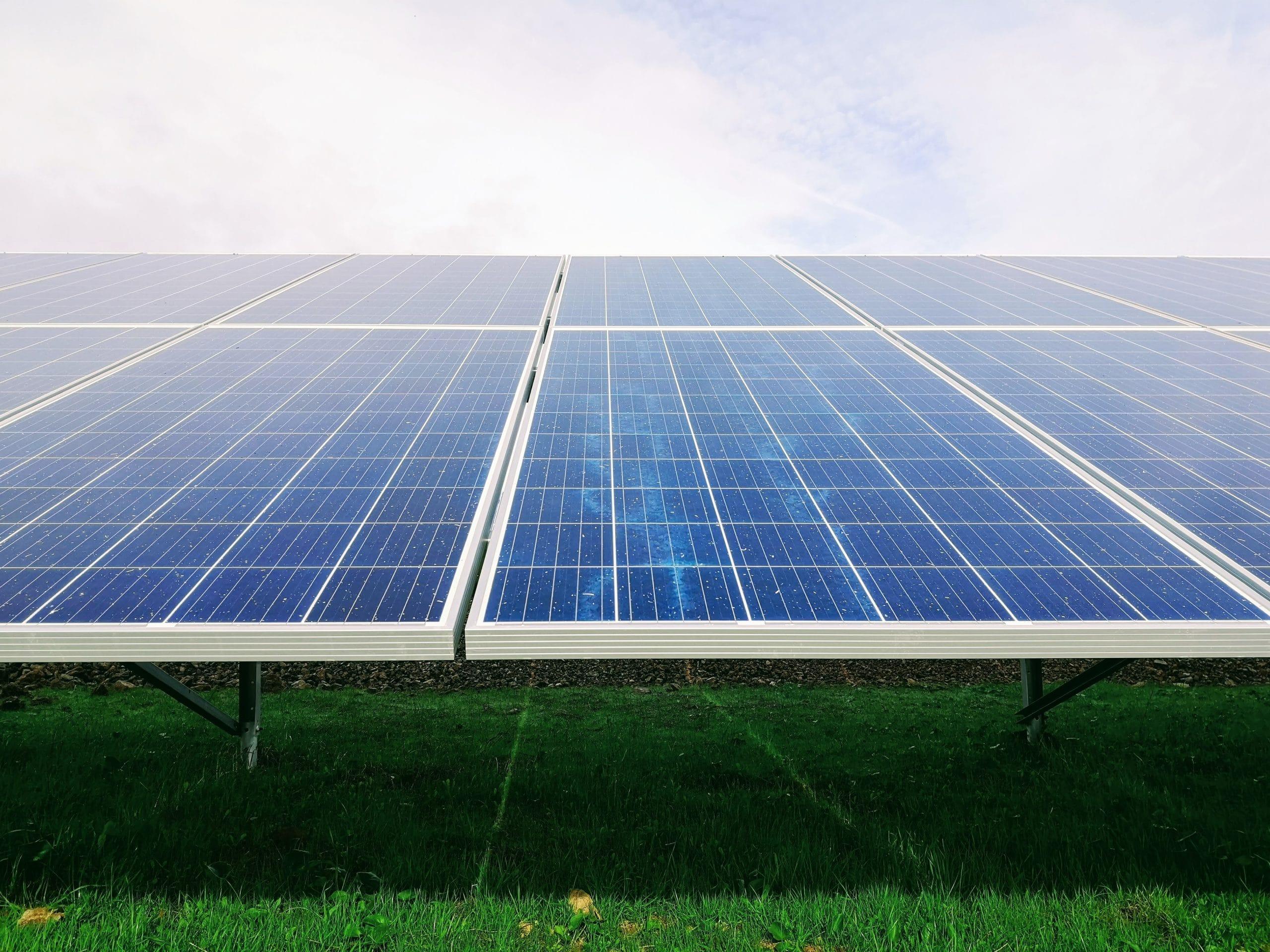 Telhado de placa solar.