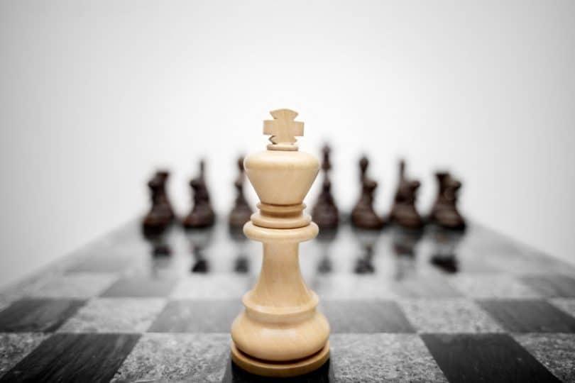 Peça de xadrez em destaque