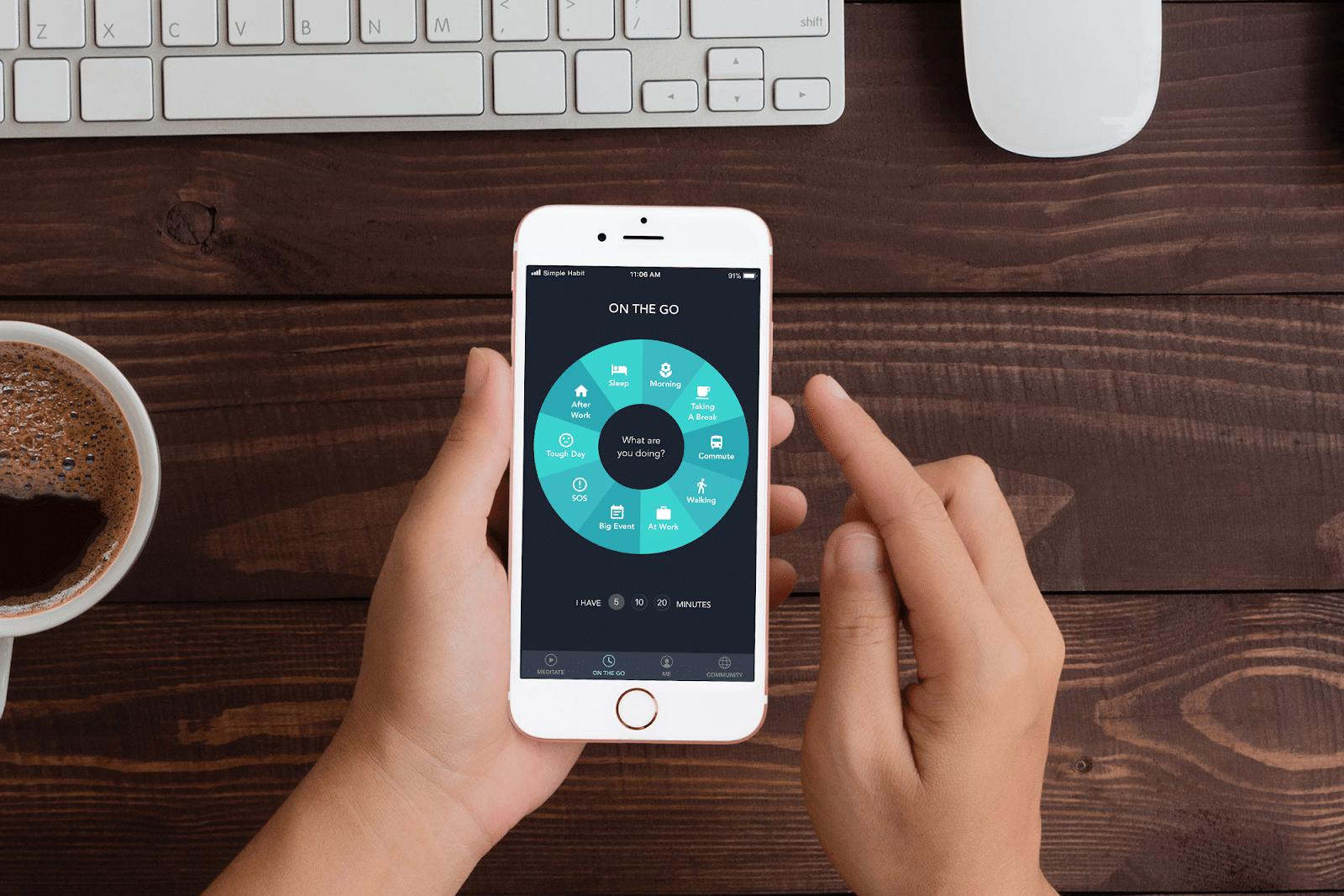 Celular com aplicativo de meditação.