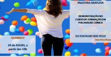 Palestra gratuita sobre formação em psicanálise clínica. Mulher com os braços abertos olhando para o céu azul cheio de balões coloridos.