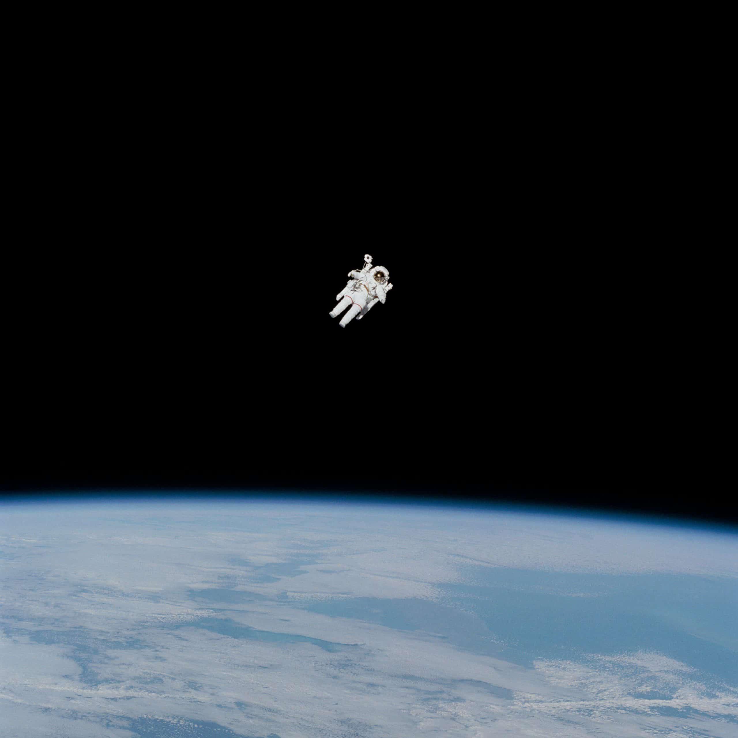 Astronauta no espaço.