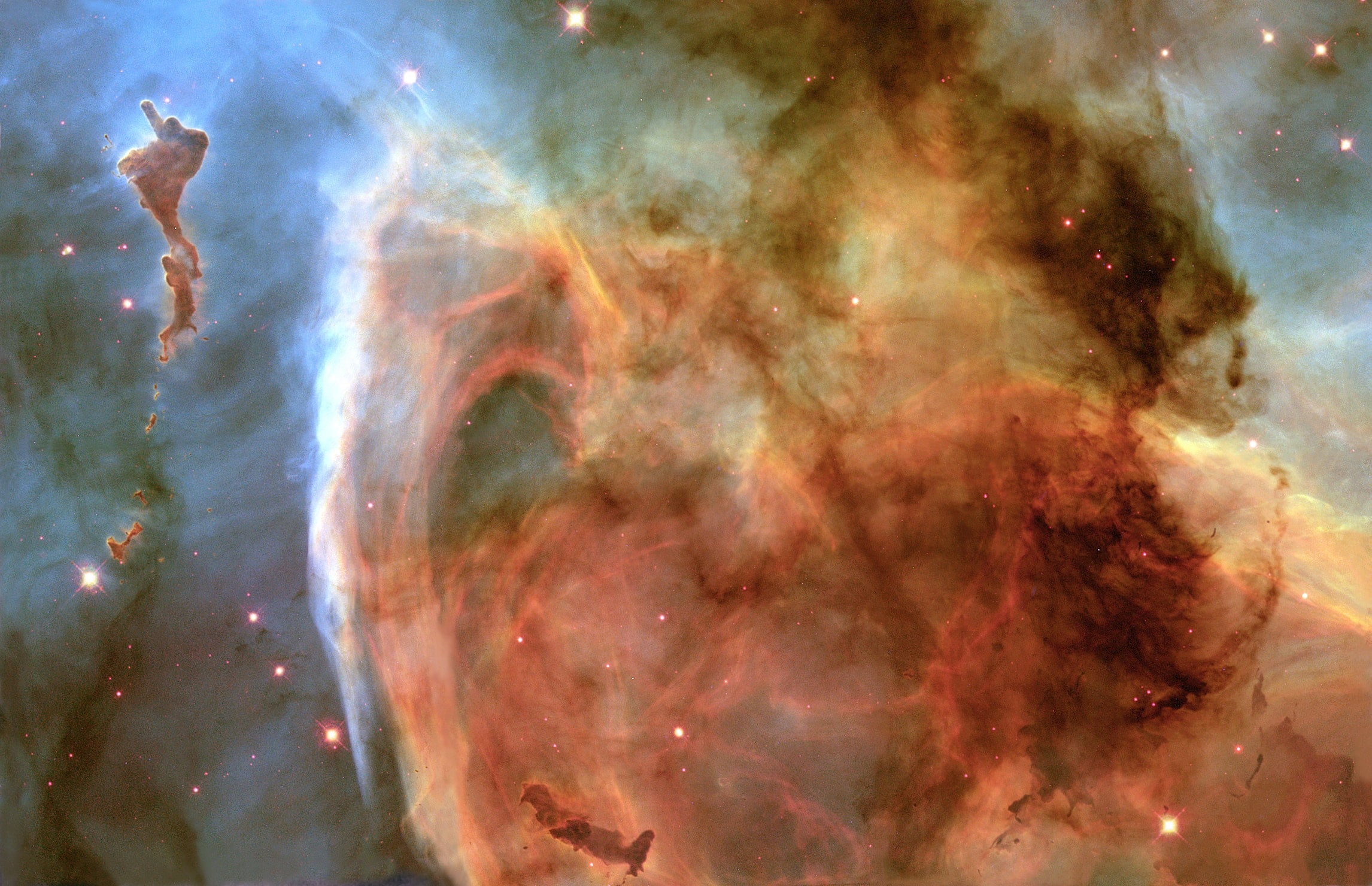 Cosmos no céu iluminado