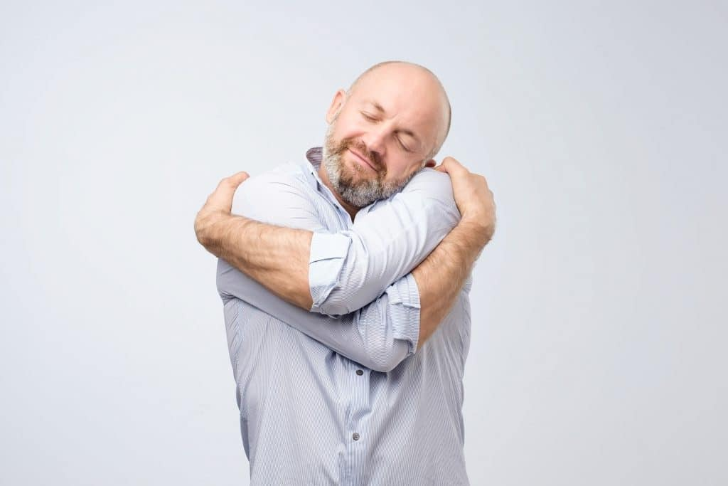 homem se cuidando