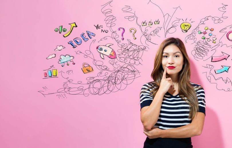 Mulher com pensamentos em ilustração à sua volta