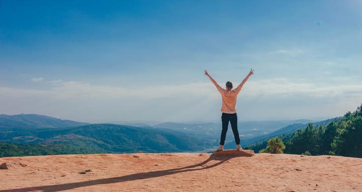 Comemorando no topo da montanha