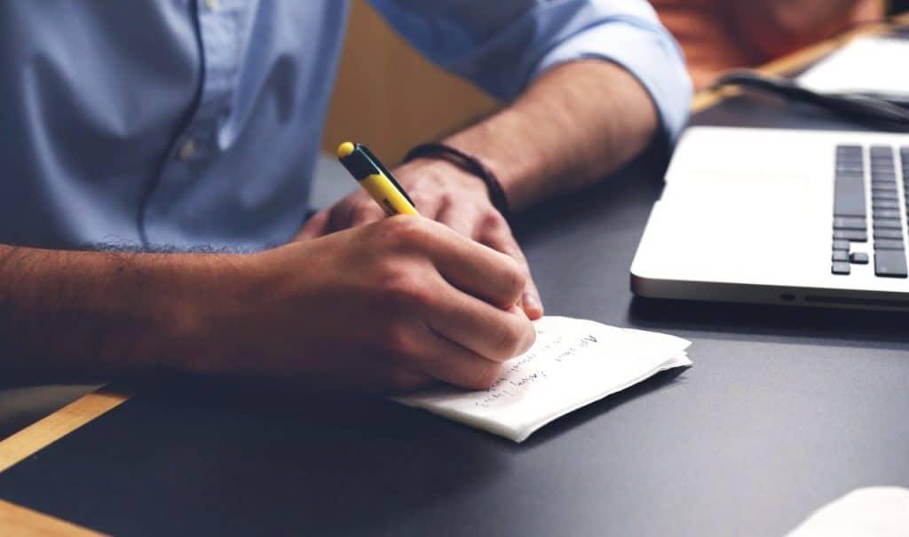 Escrevendo em guardanapo