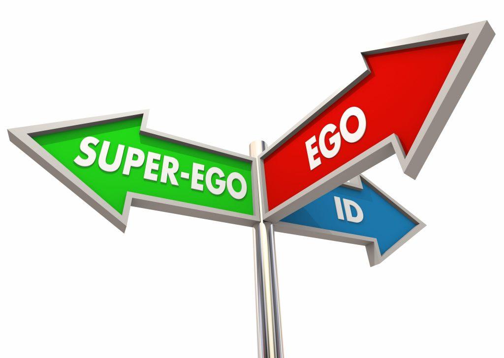 Placa em formato de 03 setas, indicando o Id, o Ego e o Super Ego.  O ID está na seta cor azul, o Super-Ego na seta verde e o EGO, na seta vernelha.