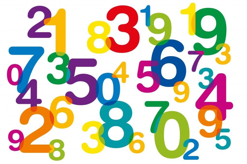 Imagem com vários números coloridos.