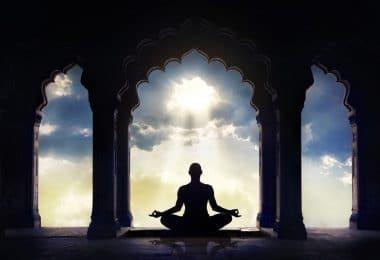 Corpo meditando.