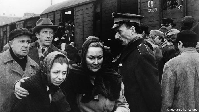 Chegada ao campo de concentração. Por: Picture Alliance