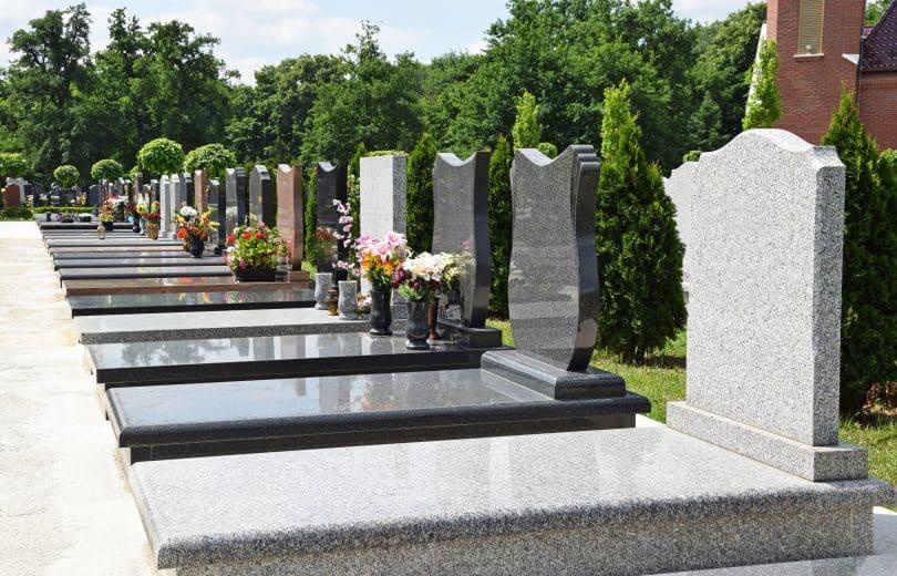 Cemitério.