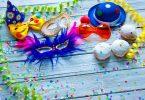 Itens e decorações de carnaval.