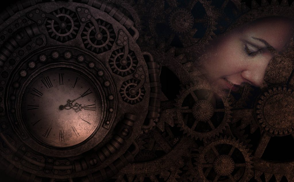 Relógio antigo e engrenagens, e o rosto de umma mulher com os olhos fechados está no meio das engrenagens, como um sonho.