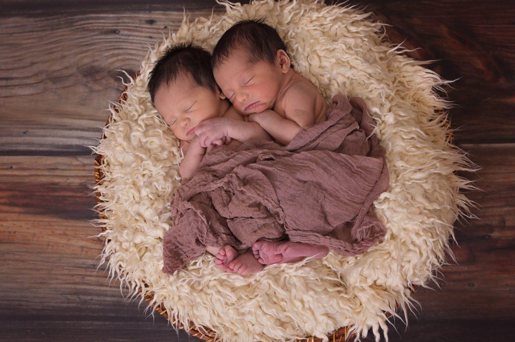 Bebês deitados