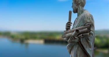 Estátua de Aristóteles.