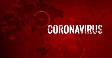Mapa do mundo com letreiro escrito Coronavírus.