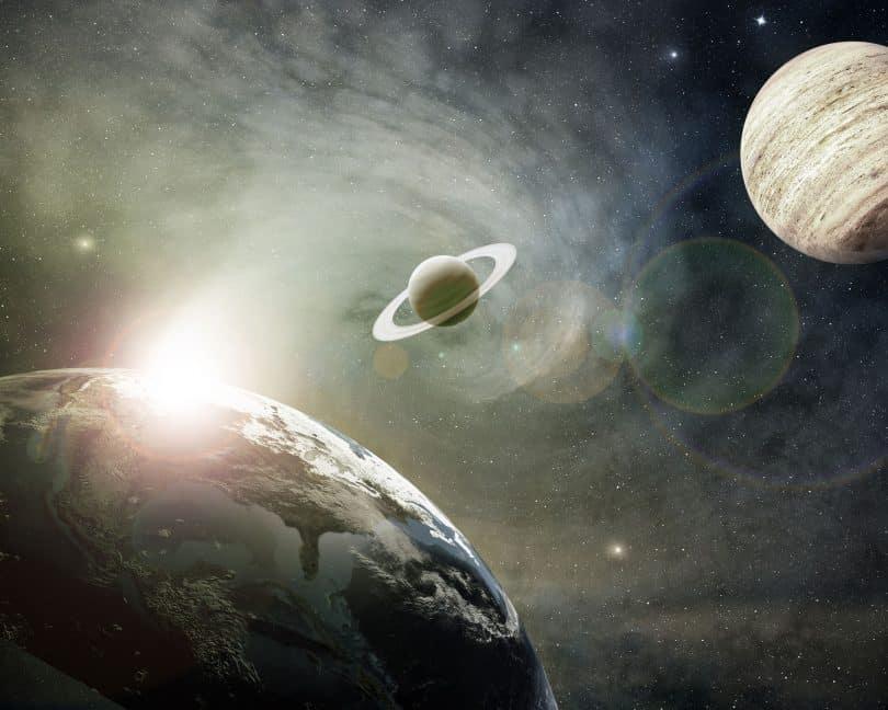 Planeta Terra, Saturno e Júpiter