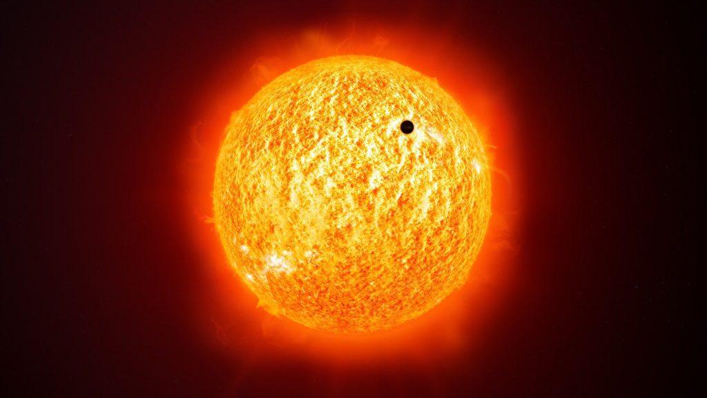 Imagem do Sol sobre o planeta Mercúrio.