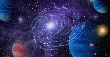Universo com planetas e estrela cósmica iluminada