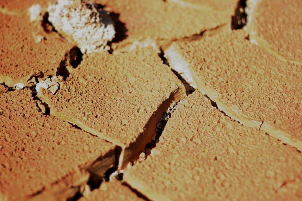 Imagem da argila vermelha. Ingrediente que será usado para uma receita para remédio natural para ser usado no vitiligo.
