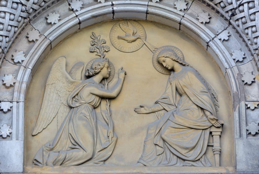 Imagem do Arcanjo Gabriel disponível em uma igreja em Praga.